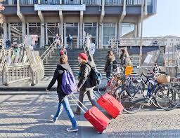 Contributo fino a 700 euro per gli studenti fuori sede in Calabria: chi ne ha diritto e come fare domanda